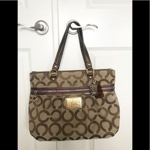 Like new Authentic Coach Poppy Tote